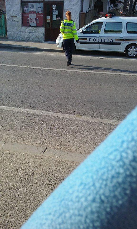 politista traversare ploiesti