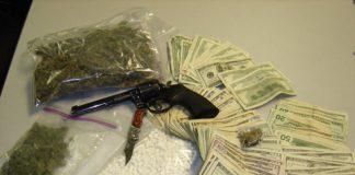 droguri bani pistol