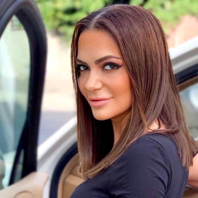 Andreea Antonescu - Viva.ro