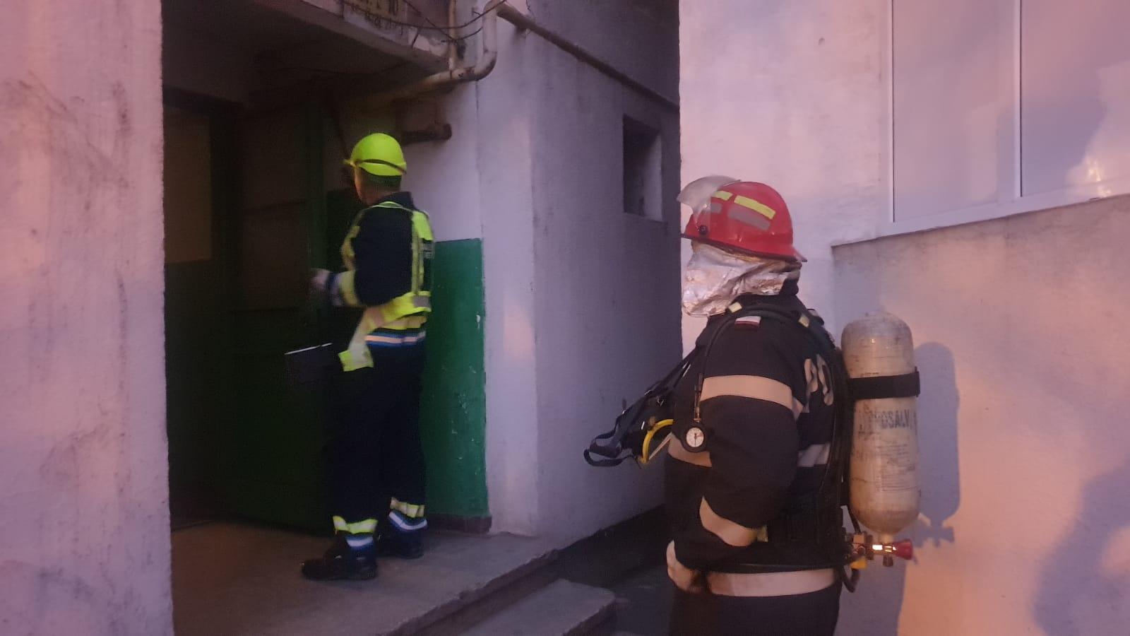 Pompierii, alertați că ar fi un incendiu într-un bloc, au descoperit că se făcea de fapt deratizare
